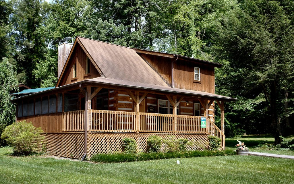 Photo of a Gatlinburg Cabin named Angler's Perch #2523 - This is the first photo in the set.