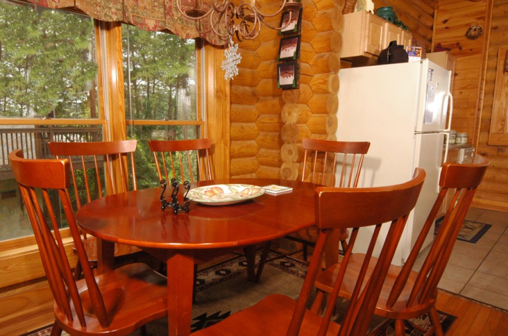 Photo of a Pigeon Forge Cabin named Dollys Dream #284 - This is the sixteenth photo in the set.