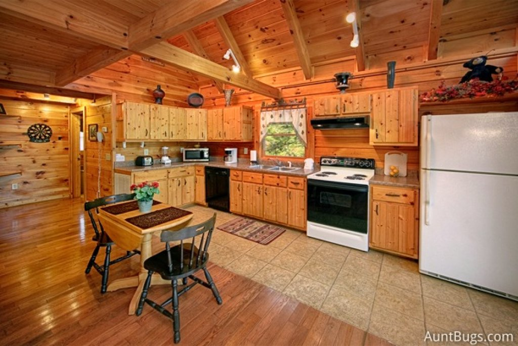 Photo of a Gatlinburg Cabin named Highlander #224 - This is the seventeenth photo in the set.