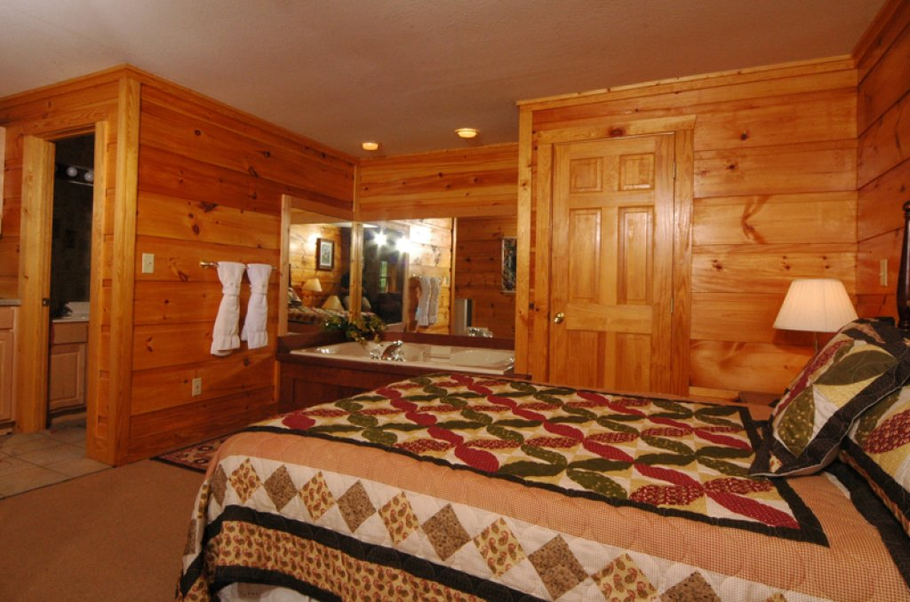 Photo of a Pigeon Forge Cabin named Dollys Dream #284 - This is the fourteenth photo in the set.