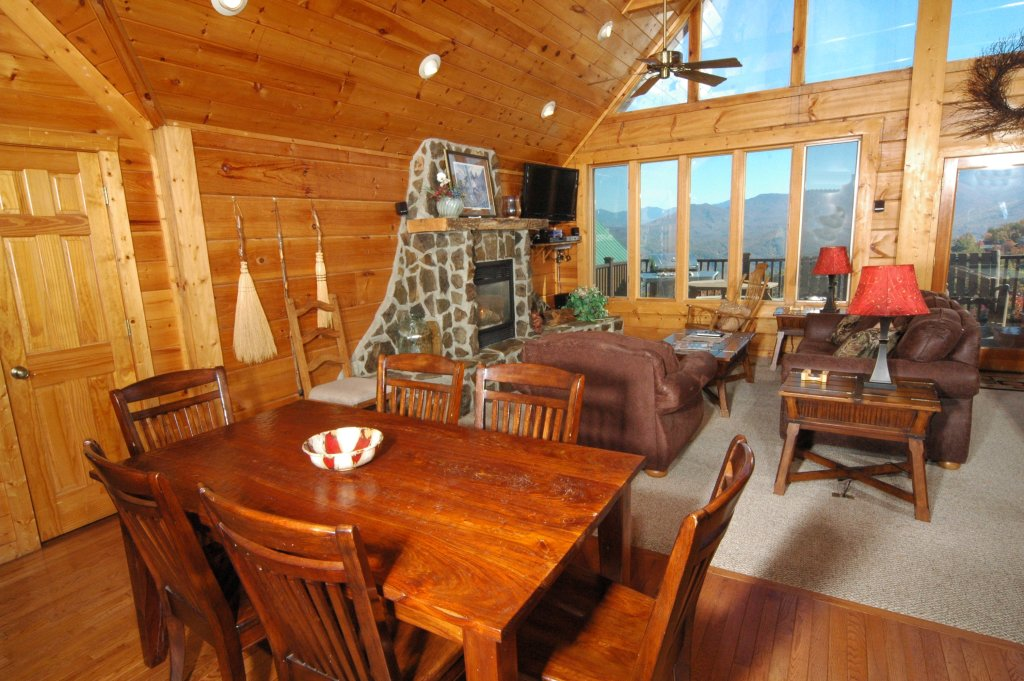 Photo of a Gatlinburg Cabin named Eagle's Nest #379 - This is the eleventh photo in the set.