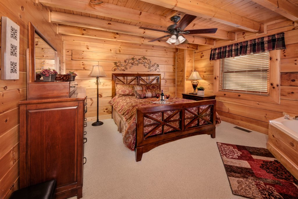 Photo of a Pigeon Forge Cabin named Enchanted Forest - This is the tenth photo in the set.