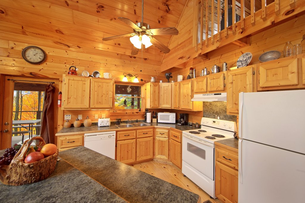 Photo of a Gatlinburg Cabin named Creeksong - This is the twenty-second photo in the set.