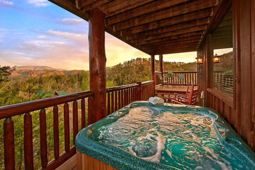 Photo of a Pigeon Forge Cabin named Mountaintop Paradise - This is the thirty-first photo in the set.