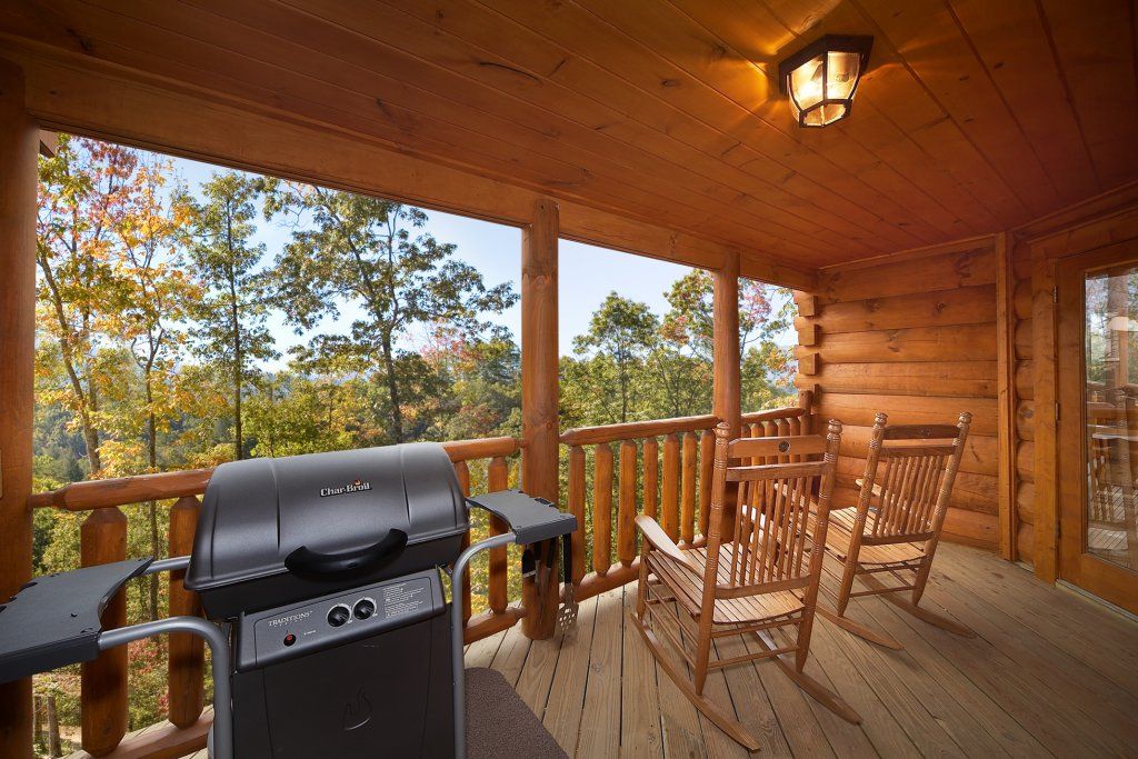 Photo of a Sevierville Cabin named Swimming In Paradise - This is the fourth photo in the set.