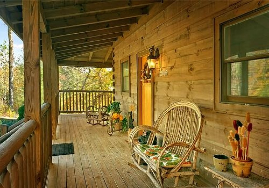 Photo of a Pigeon Forge Cabin named Cedar Forest - This is the forty-second photo in the set.