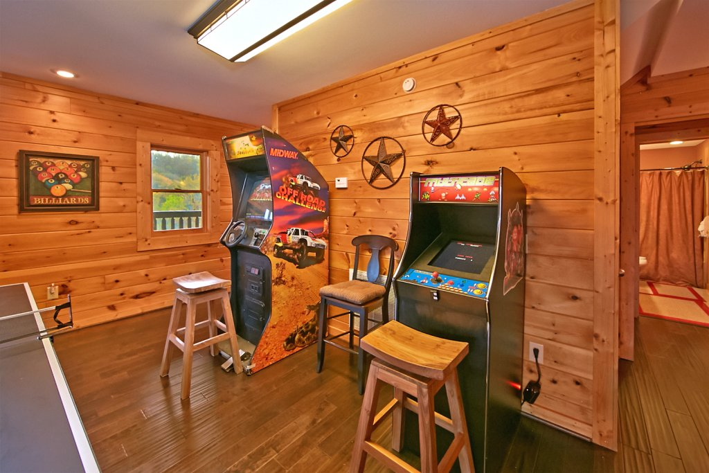 Photo of a Pigeon Forge Cabin named Mountaintop Paradise - This is the thirty-fifth photo in the set.