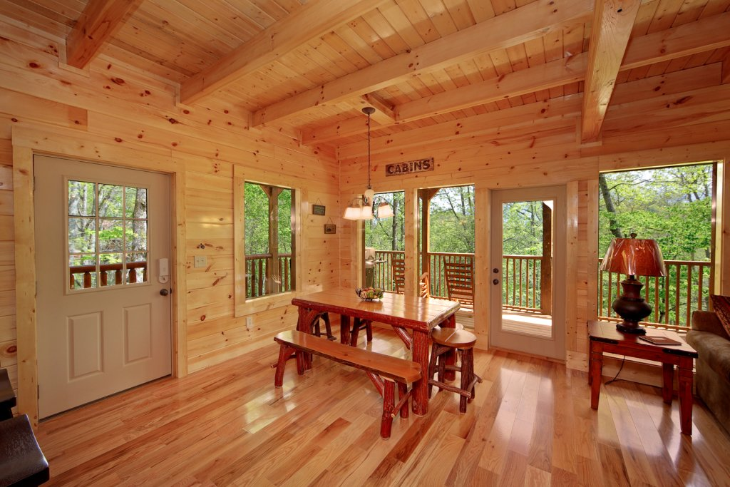 Photo of a Gatlinburg Cabin named Cherokee Charm - This is the eleventh photo in the set.