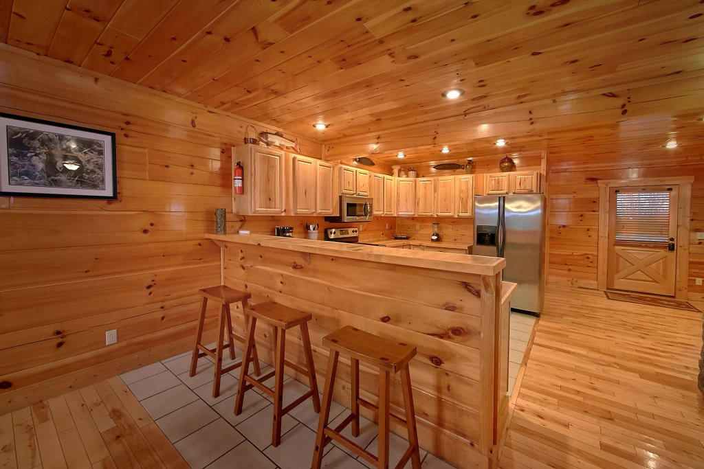 Photo of a Sevierville Cabin named Swimming In Paradise - This is the thirteenth photo in the set.