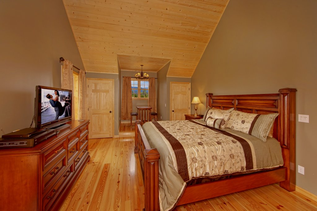 Photo of a Gatlinburg Cabin named Amazing Views Retreat - This is the twenty-second photo in the set.