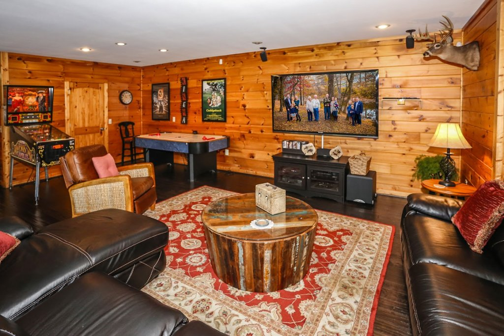 Photo of a Pigeon Forge Cabin named Mountaintop Paradise - This is the fortieth photo in the set.