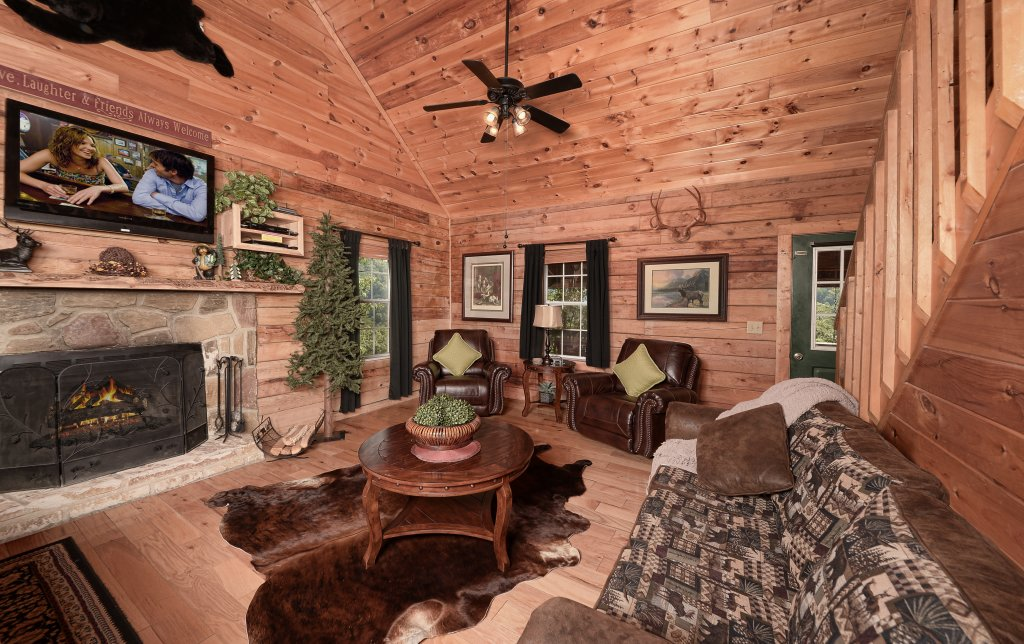 Photo of a Pigeon Forge Cabin named Serendipity - This is the second photo in the set.