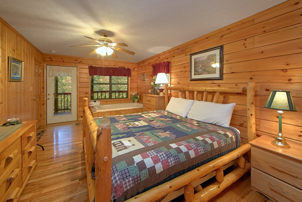 Photo of a Pigeon Forge Cabin named Sweet Mountain Laurel #403 - This is the twenty-third photo in the set.