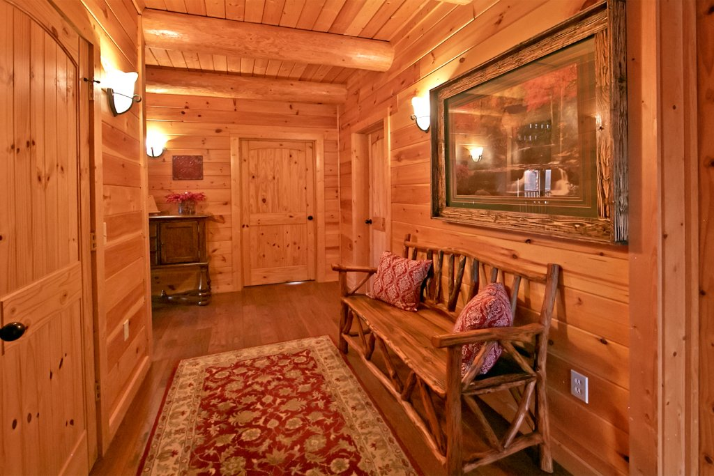 Photo of a Pigeon Forge Cabin named Mountaintop Paradise - This is the eleventh photo in the set.