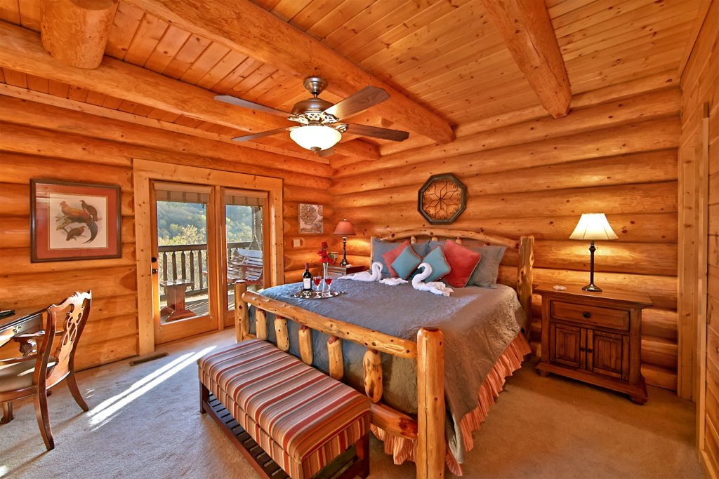 Photo of a Pigeon Forge Cabin named Mountaintop Paradise - This is the twelfth photo in the set.