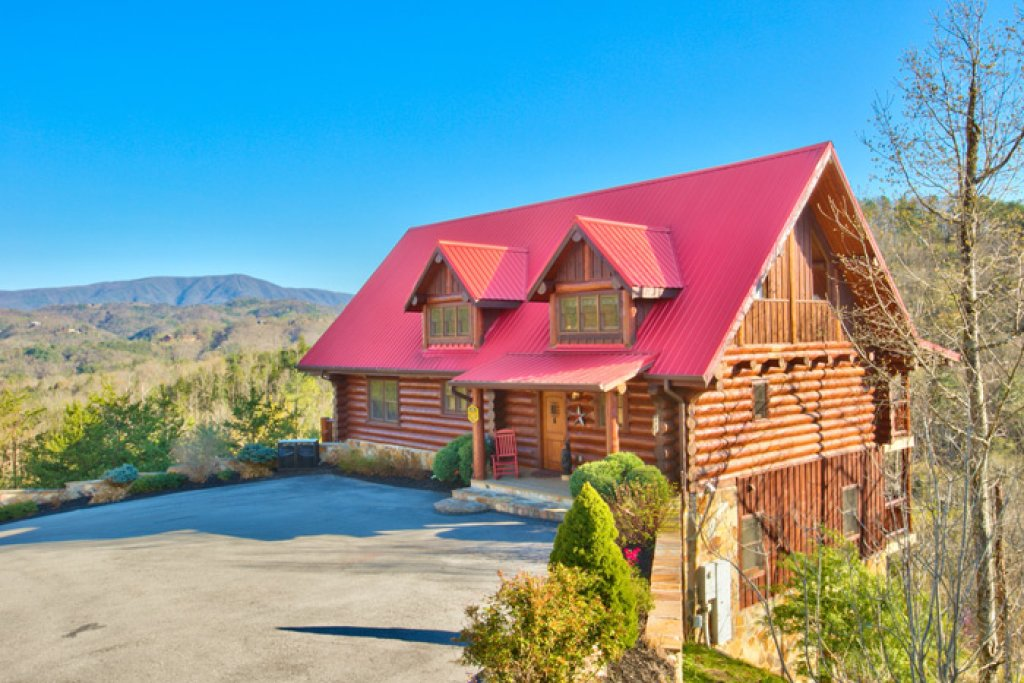Photo of a Pigeon Forge Cabin named Mountaintop Paradise - This is the twenty-third photo in the set.
