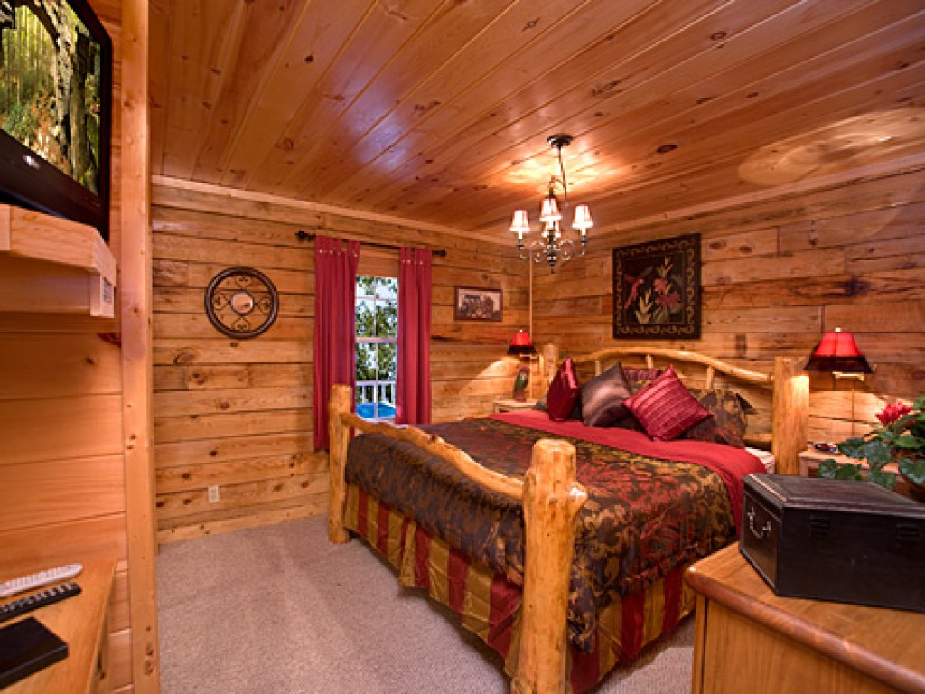 Photo of a Pigeon Forge Cabin named Serendipity - This is the eleventh photo in the set.