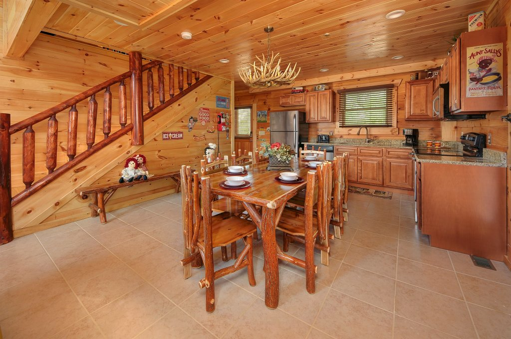 Photo of a Pigeon Forge Cabin named Kings Mountain Lodge - This is the eighth photo in the set.