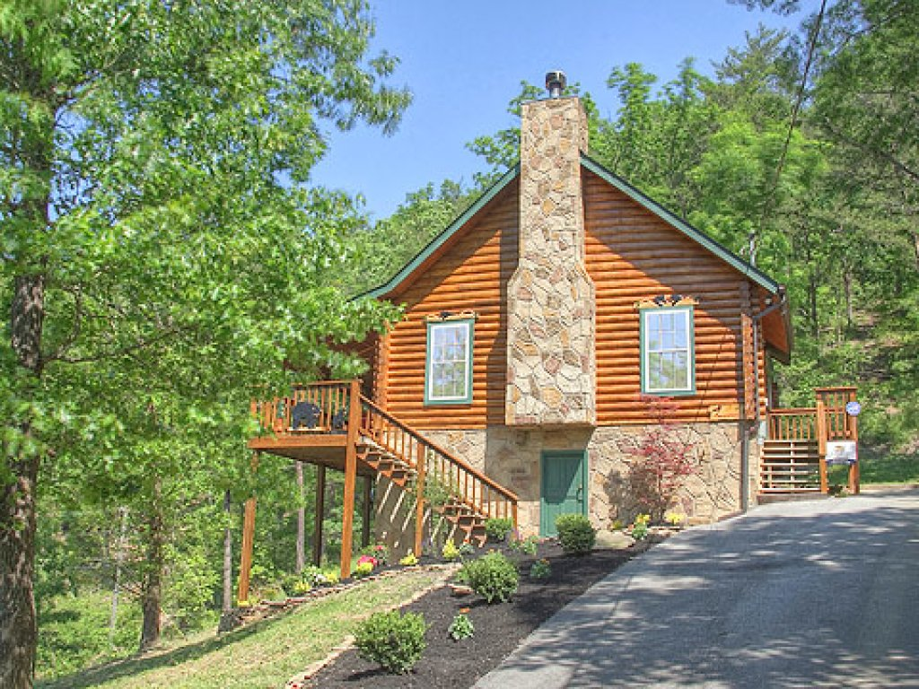 Photo of a Pigeon Forge Cabin named Serendipity - This is the thirty-first photo in the set.