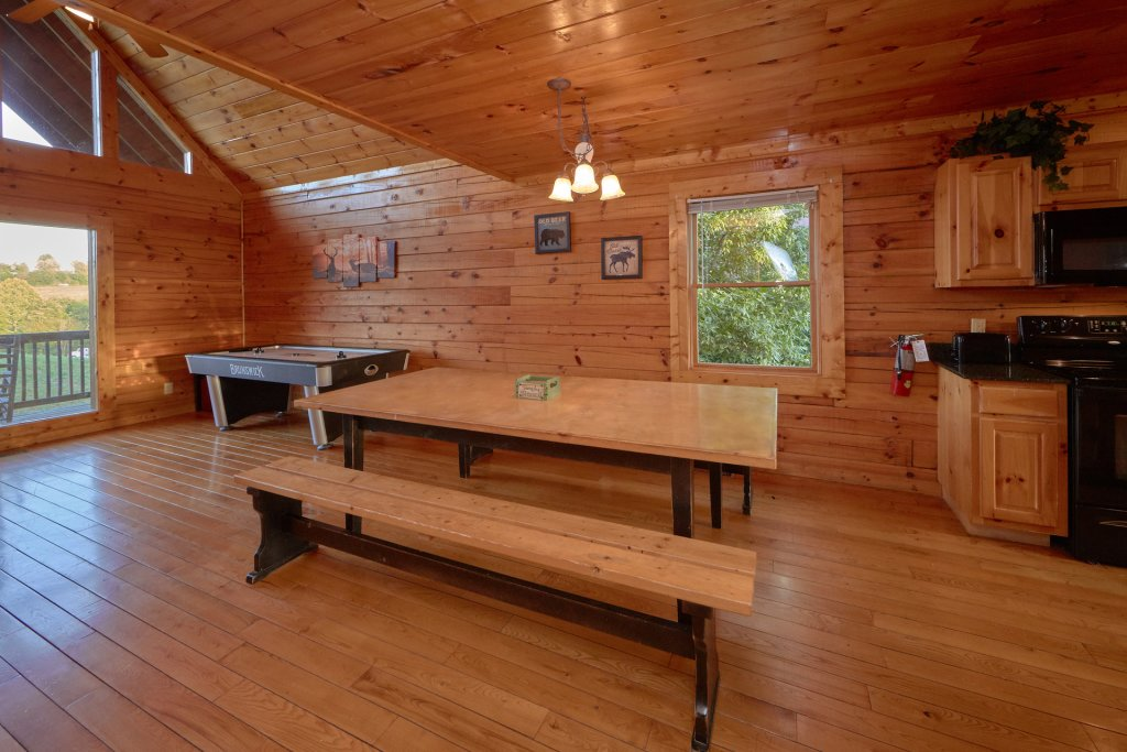 Photo of a Pigeon Forge Cabin named Mountain Pool Lodge - This is the tenth photo in the set.