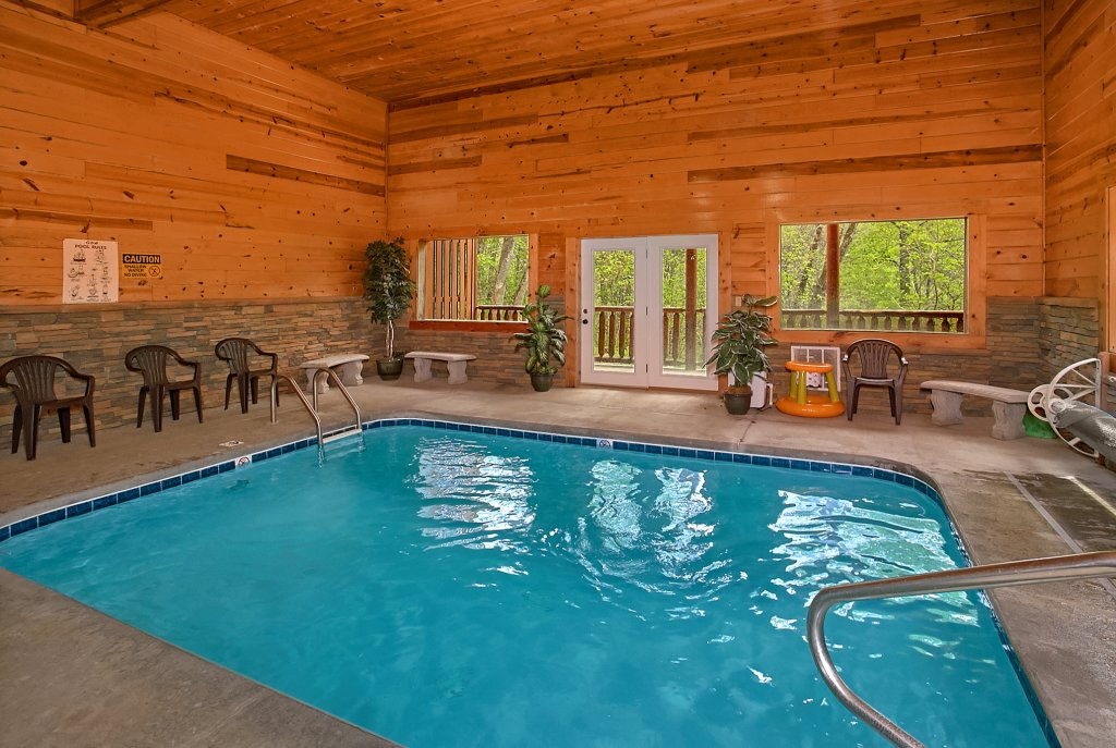 Photo of a Sevierville Cabin named Swimming In Paradise - This is the first photo in the set.