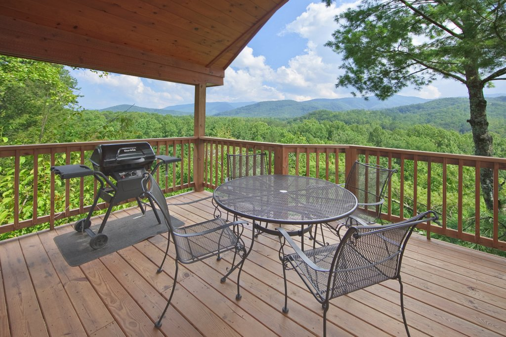 Photo of a Gatlinburg Cabin named Tree Tops - This is the sixth photo in the set.