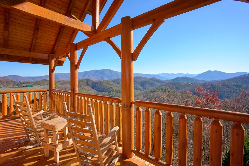 Photo of a Sevierville Cabin named Vista Lodge - This is the first photo in the set.