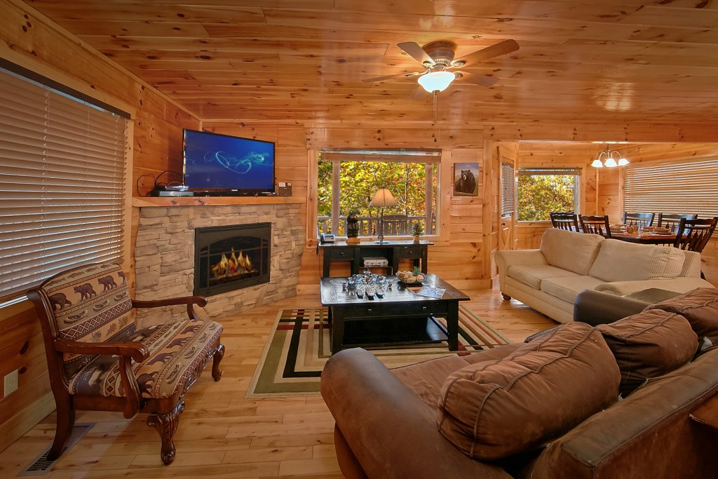 Photo of a Sevierville Cabin named Swimming In Paradise - This is the eleventh photo in the set.