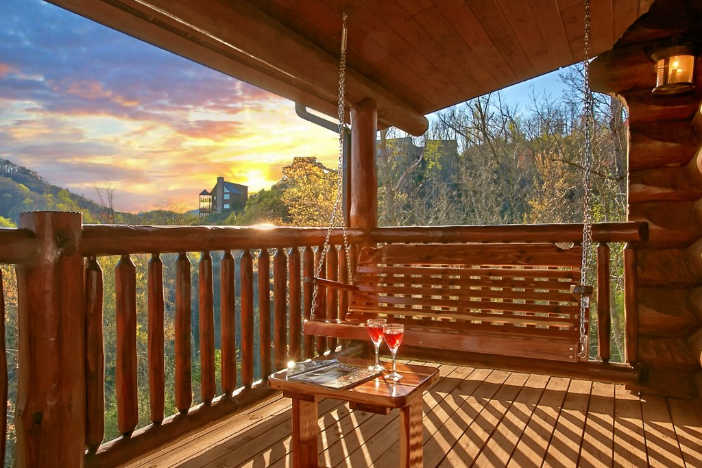 Photo of a Pigeon Forge Cabin named Mountaintop Paradise - This is the forty-eighth photo in the set.