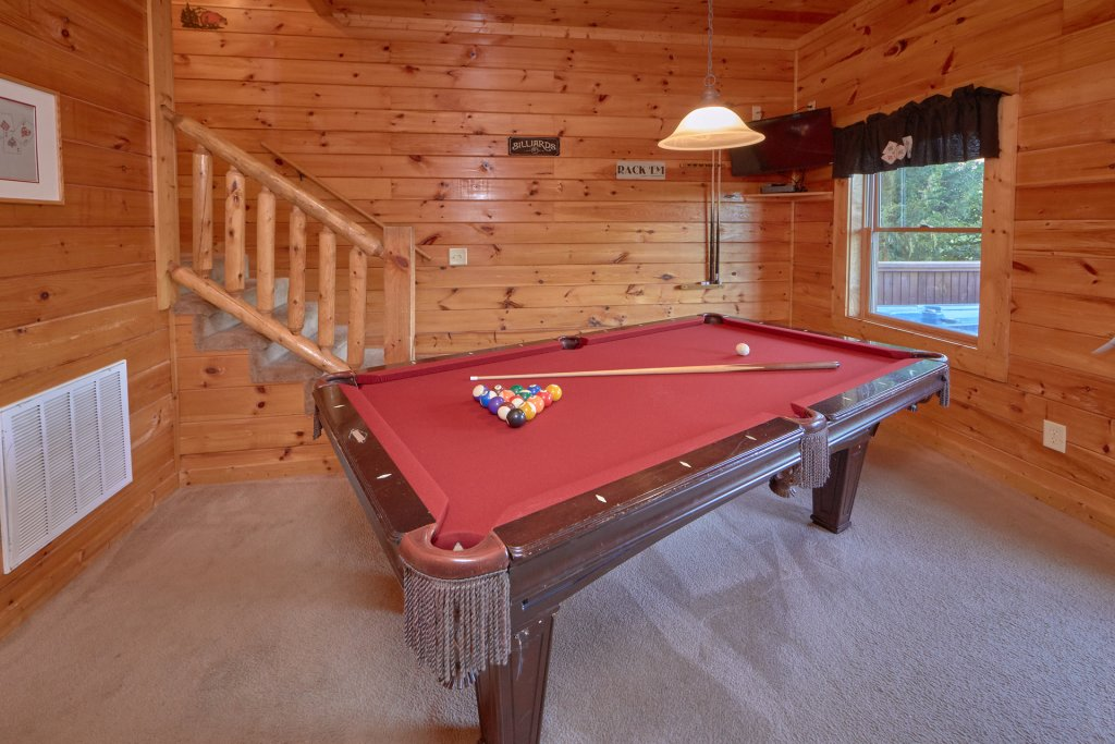 Photo of a Pigeon Forge Cabin named Mountain Pool Lodge - This is the sixth photo in the set.