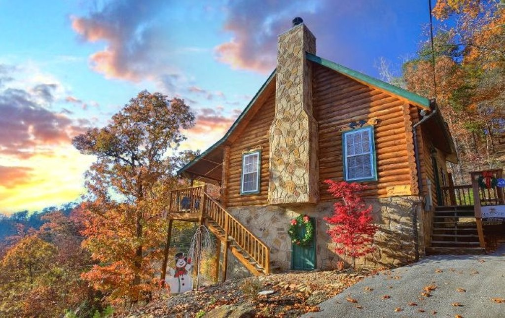 Photo of a Pigeon Forge Cabin named Serendipity - This is the seventh photo in the set.