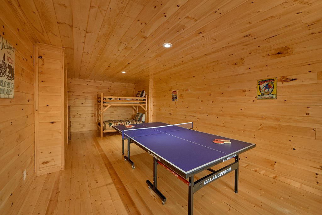 Photo of a Sevierville Cabin named Vista Lodge - This is the tenth photo in the set.