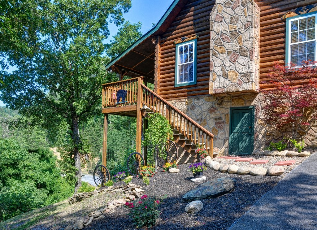 Photo of a Pigeon Forge Cabin named Serendipity - This is the twenty-fourth photo in the set.