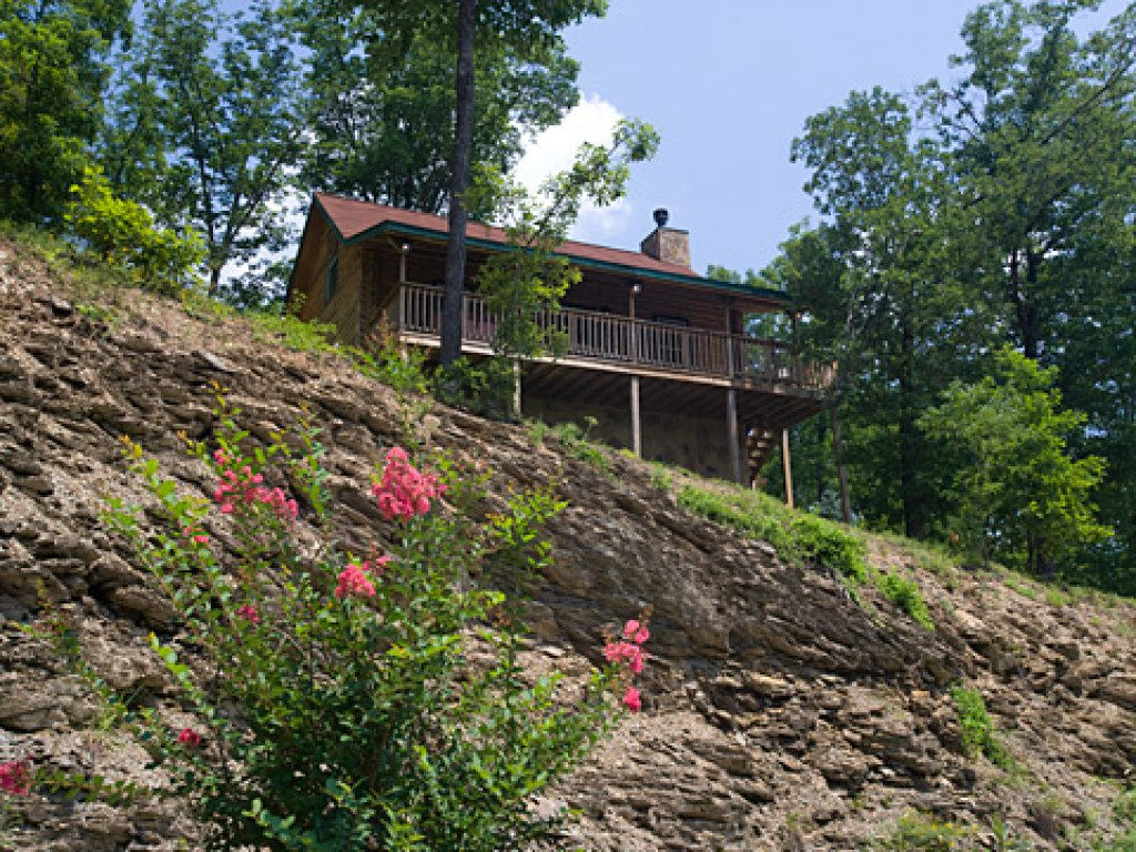 Photo of a Pigeon Forge Cabin named Serendipity - This is the twenty-fifth photo in the set.