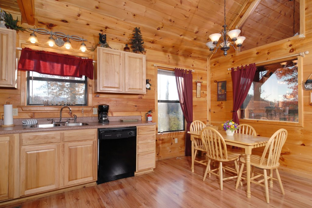 Photo of a Pigeon Forge Cabin named Wow !! What A Cabin #255 - This is the sixteenth photo in the set.