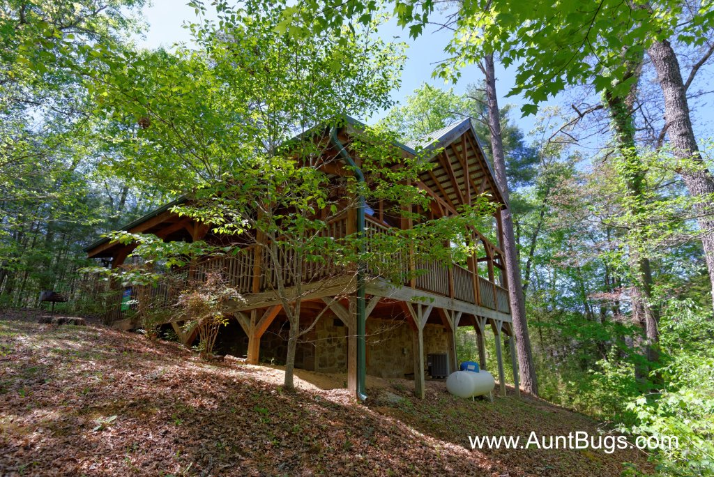 Photo of a Pigeon Forge Cabin named Above The Falls #144 - This is the second photo in the set.