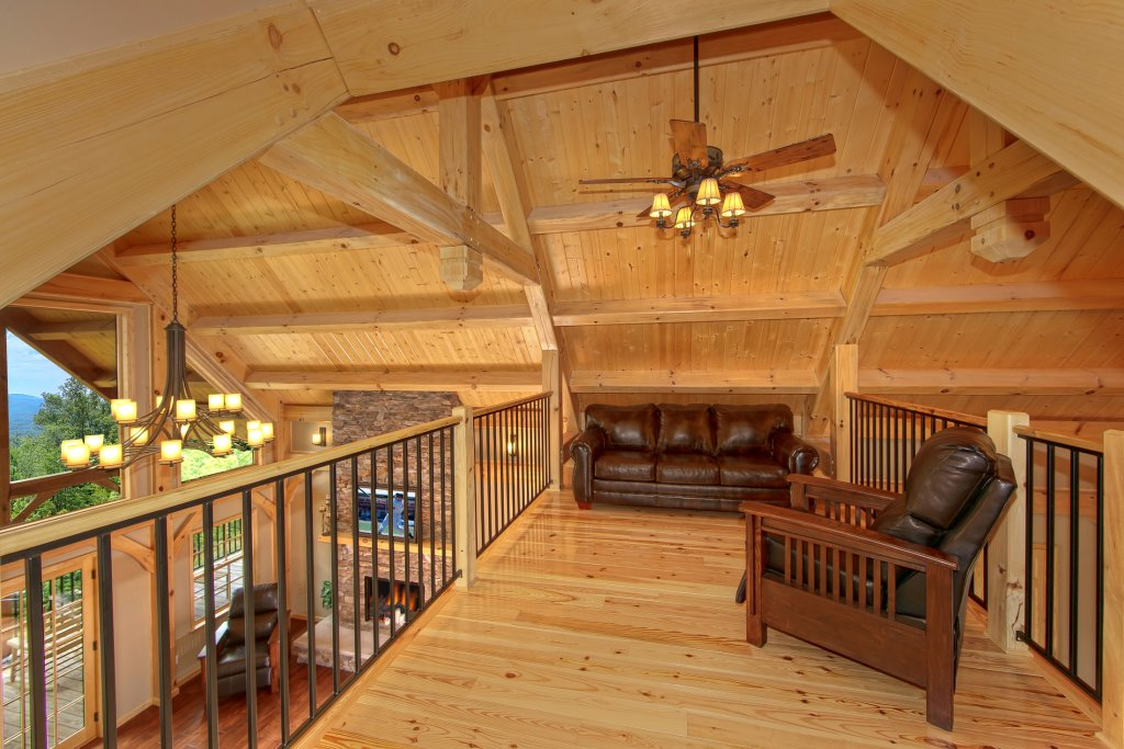 Photo of a Gatlinburg Cabin named Amazing Views Retreat - This is the fourteenth photo in the set.