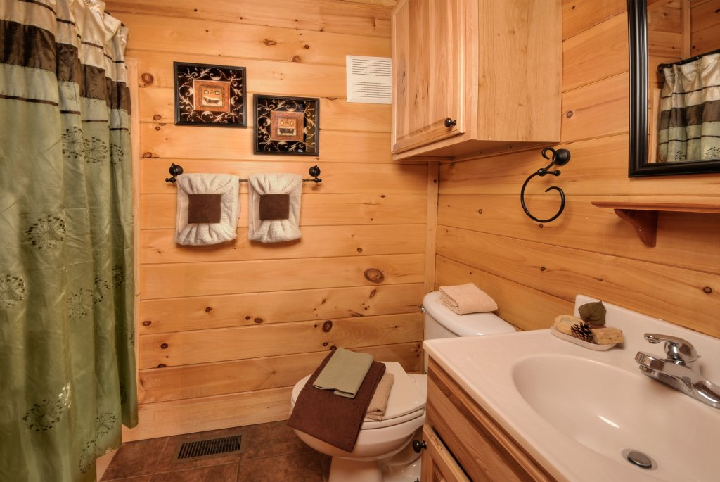 Photo of a Pigeon Forge Cabin named Enchanted Forest - This is the sixteenth photo in the set.