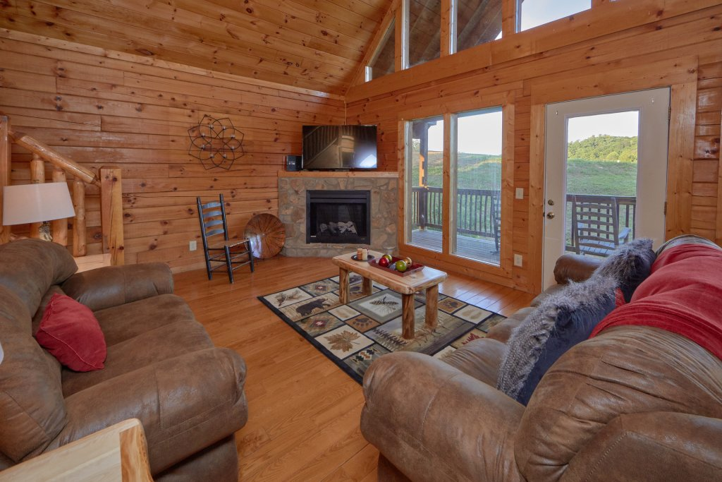 Photo of a Pigeon Forge Cabin named Mountain Pool Lodge - This is the ninth photo in the set.
