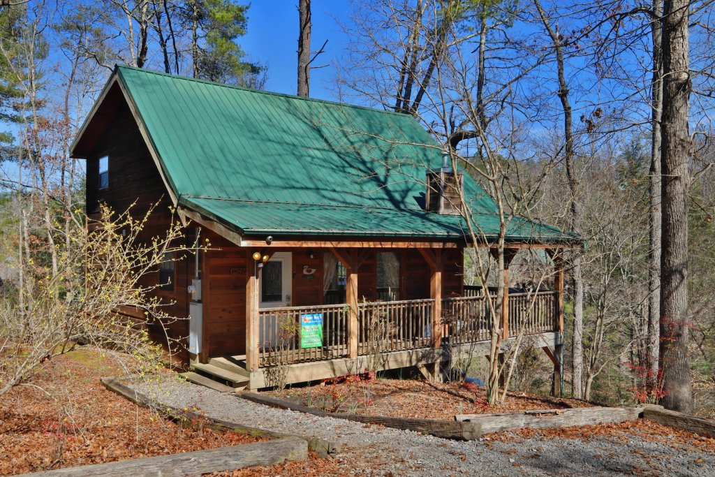 Photo of a Pigeon Forge Cabin named Above The Falls #144 - This is the twenty-second photo in the set.