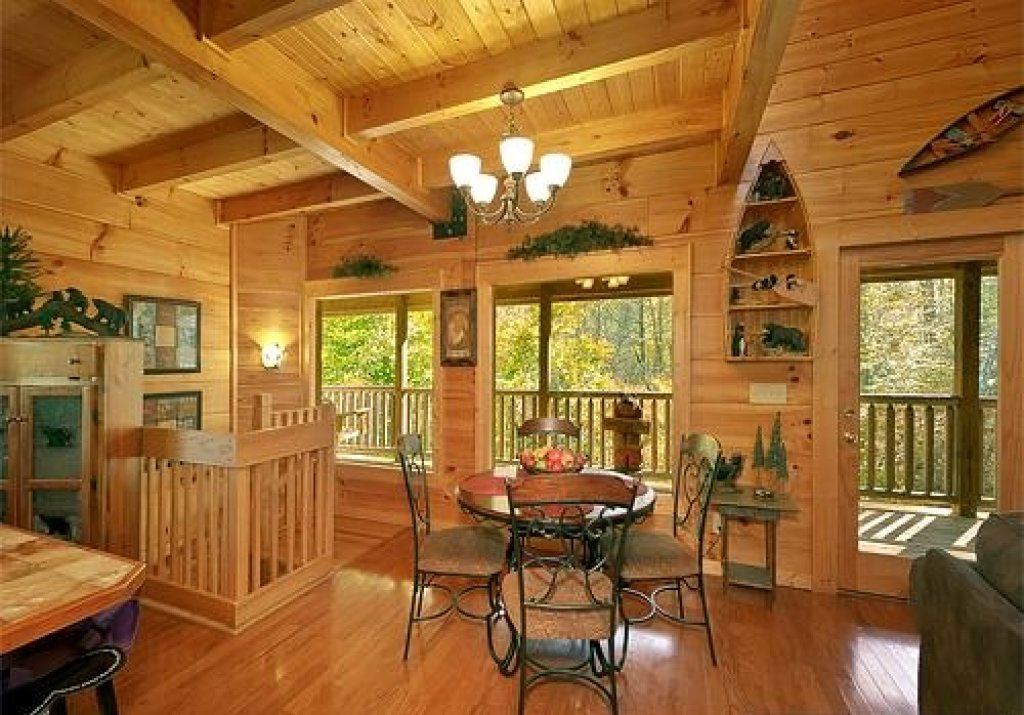Photo of a Pigeon Forge Cabin named Cedar Forest - This is the sixteenth photo in the set.