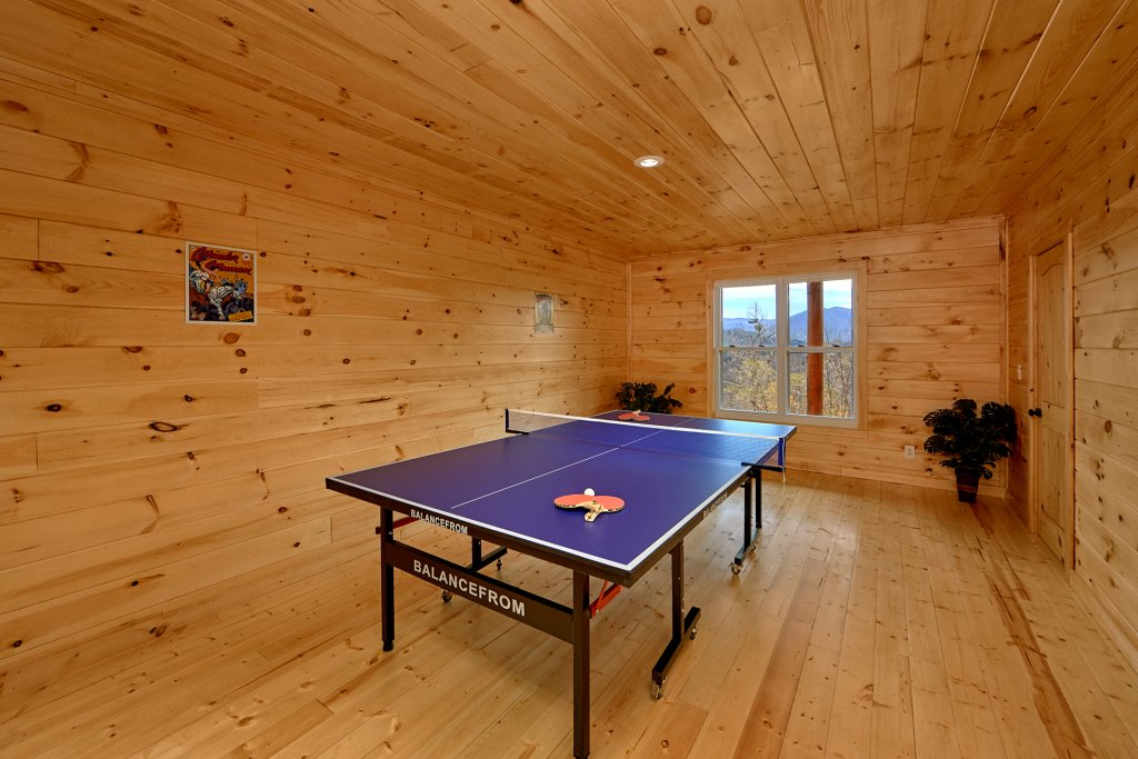 Photo of a Sevierville Cabin named Vista Lodge - This is the eleventh photo in the set.