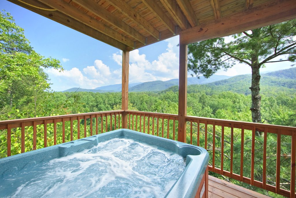 Photo of a Gatlinburg Cabin named Tree Tops - This is the fourth photo in the set.