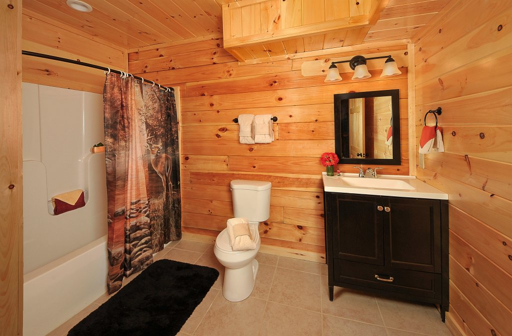 Photo of a Pigeon Forge Cabin named Kings Mountain Lodge - This is the twentieth photo in the set.