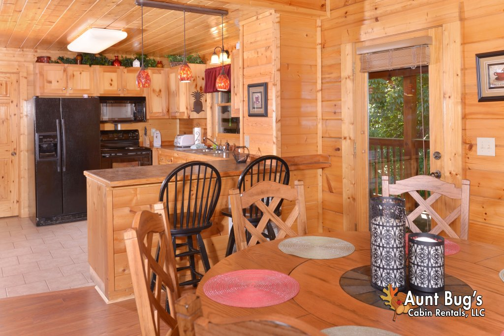 Photo of a Pigeon Forge Cabin named Whispering Creek #302 - This is the thirtieth photo in the set.