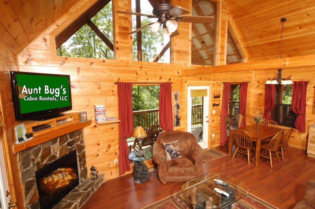 Photo of a Pigeon Forge Cabin named A Bear's Eye View #251 - This is the thirty-third photo in the set.