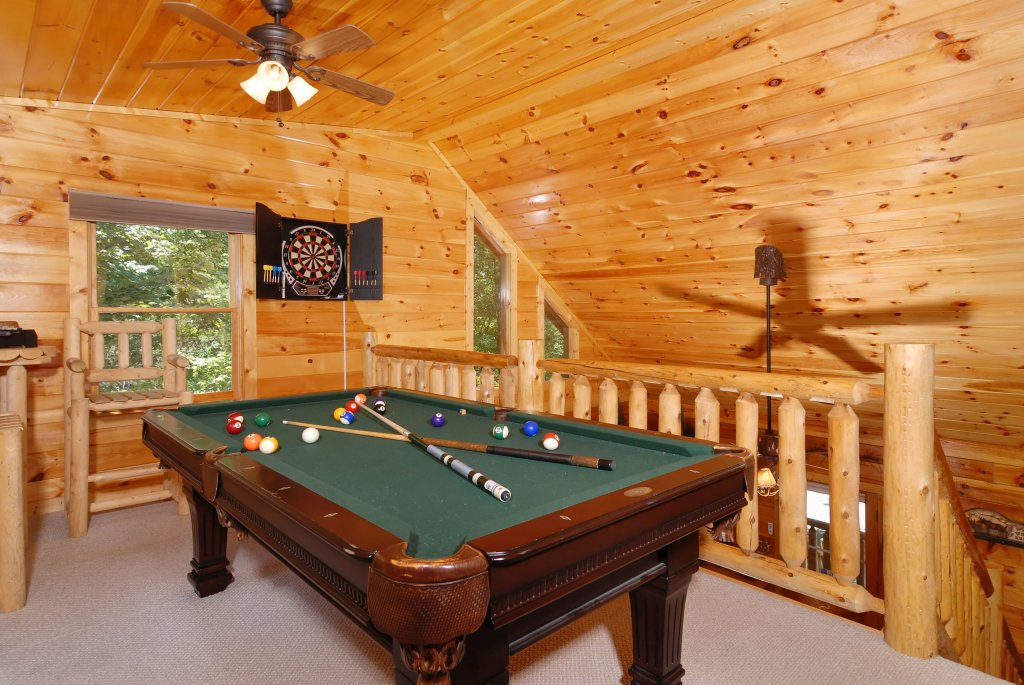 Photo of a Gatlinburg Cabin named Pine Cove Hideaway #1816 - This is the eighth photo in the set.