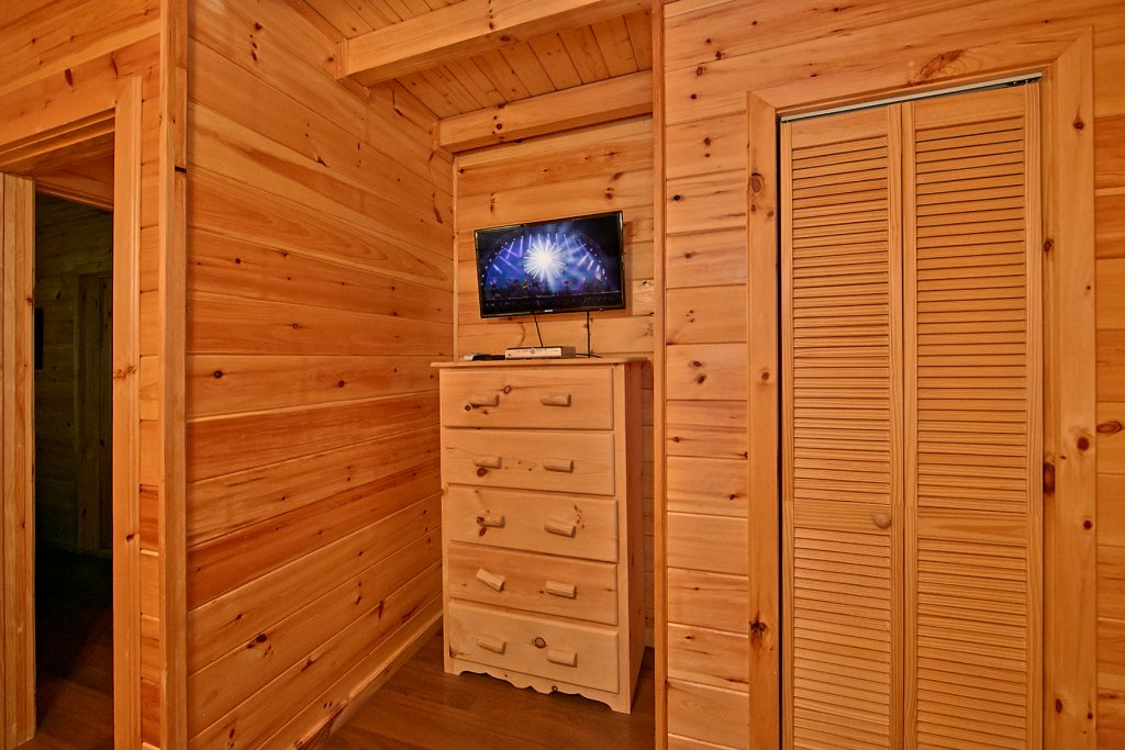 Photo of a Pigeon Forge Cabin named A Bear's Eye View #251 - This is the twenty-fourth photo in the set.