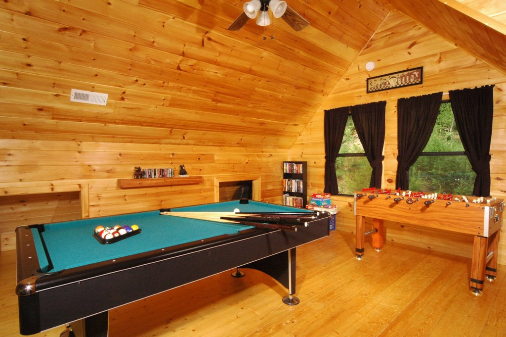 Photo of a Pigeon Forge Cabin named A Bear's Eye View #251 - This is the tenth photo in the set.