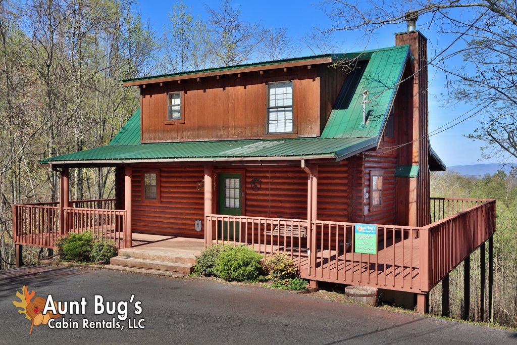 Photo of a Gatlinburg Cabin named Mountain Perch #2134 - This is the first photo in the set.